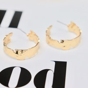 """14K Gold Hammered Hoops w. Pretty Shape Detail 1"""""""